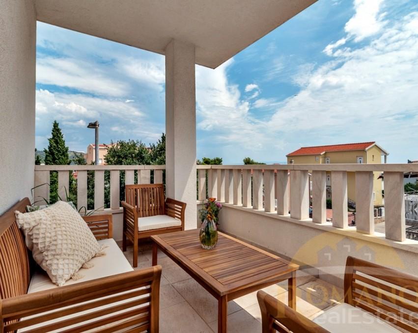 Two bedroom apartment - Okrug Gornji - Sale