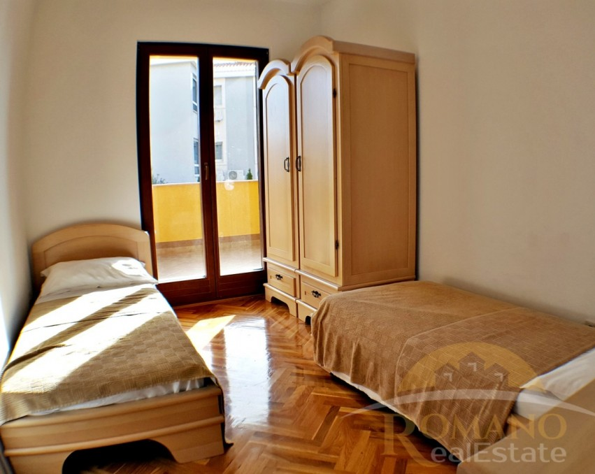 Two bedroom apartment with a garden - Okrug Gornji