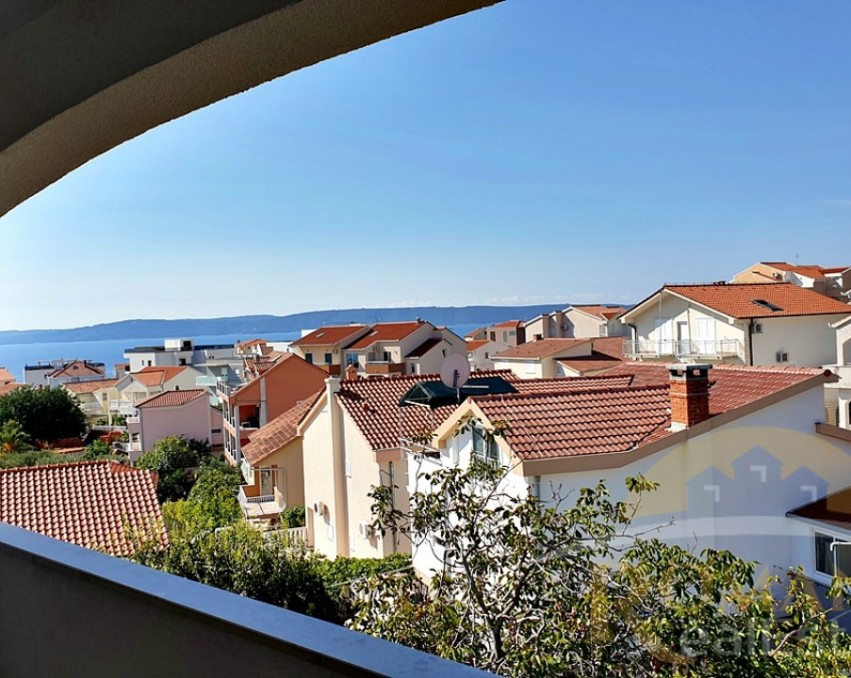Two bedroom apartment Okrug Gornji - Sale