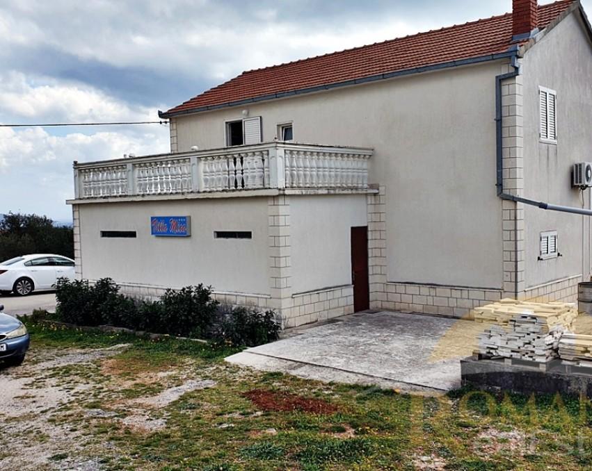 Imanje u Planu kod Trogira - Prodaje se