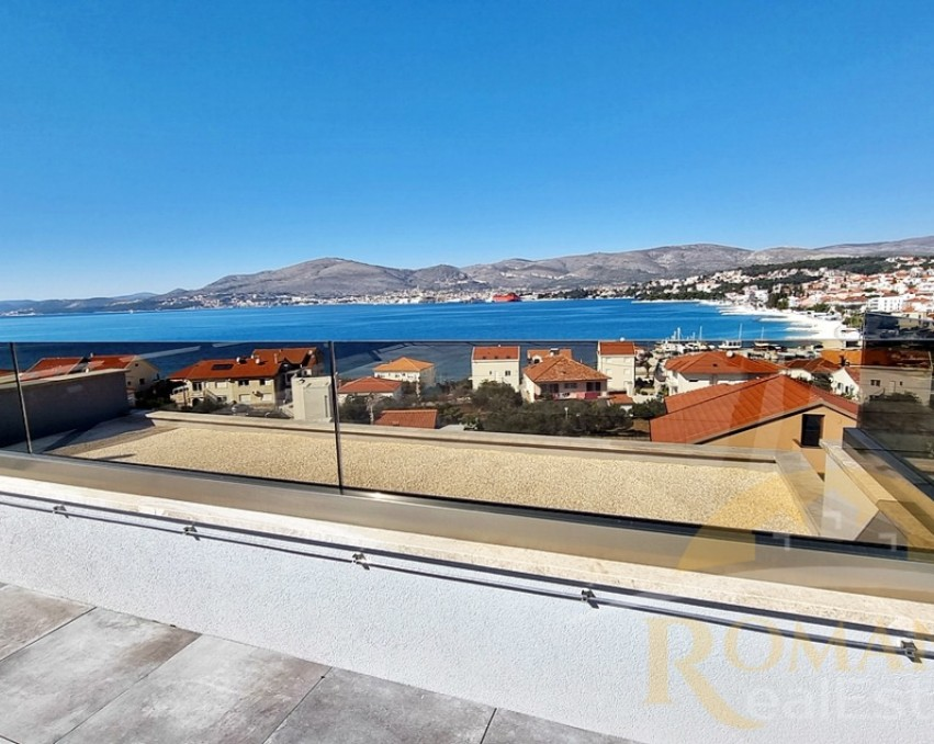 Luxury penthouse with roof terrace - Okrug Gornji