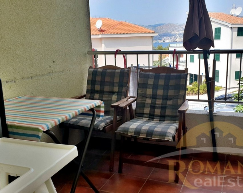 Three bedroom apartment in Okrug Gornji - For sale