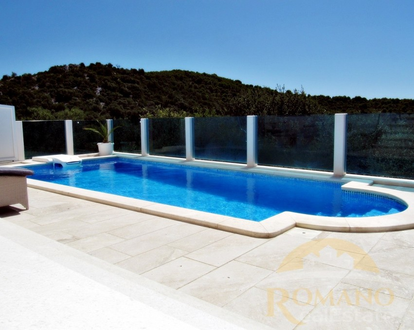 Villa on Ciovo | Swimming pool | Okrug | For sale