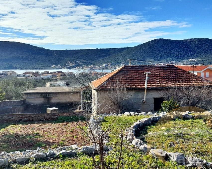 Kamena kuća u Vinišću - Prodaja