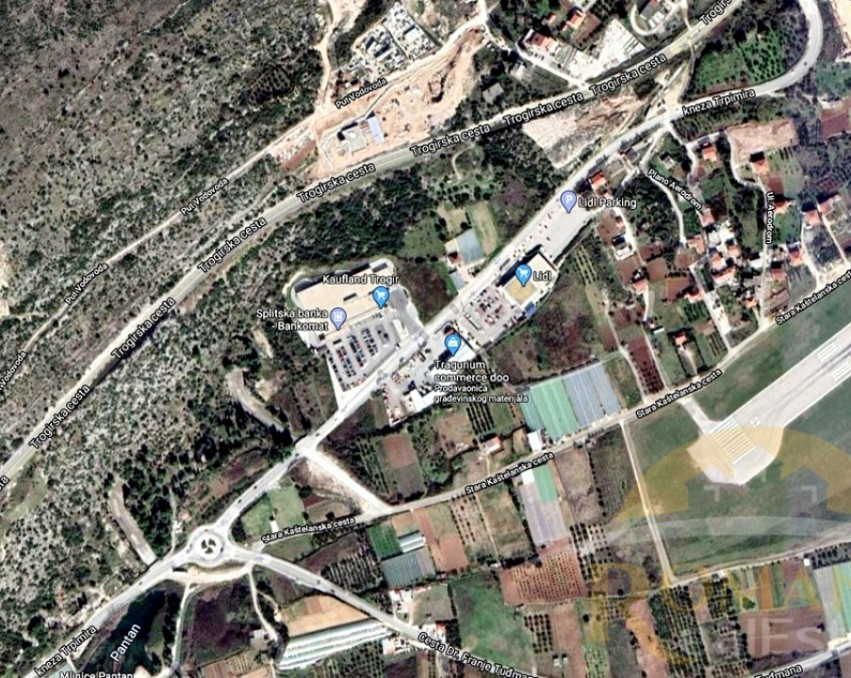 Plot in Trogir in a great location - Sale