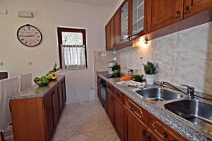 house_for_sale_okrug_donji_ja_ro002.JPG